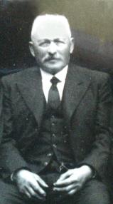Charles Million Rousseau (1878-1956) Winzer in dem Alpendorf Monthoux