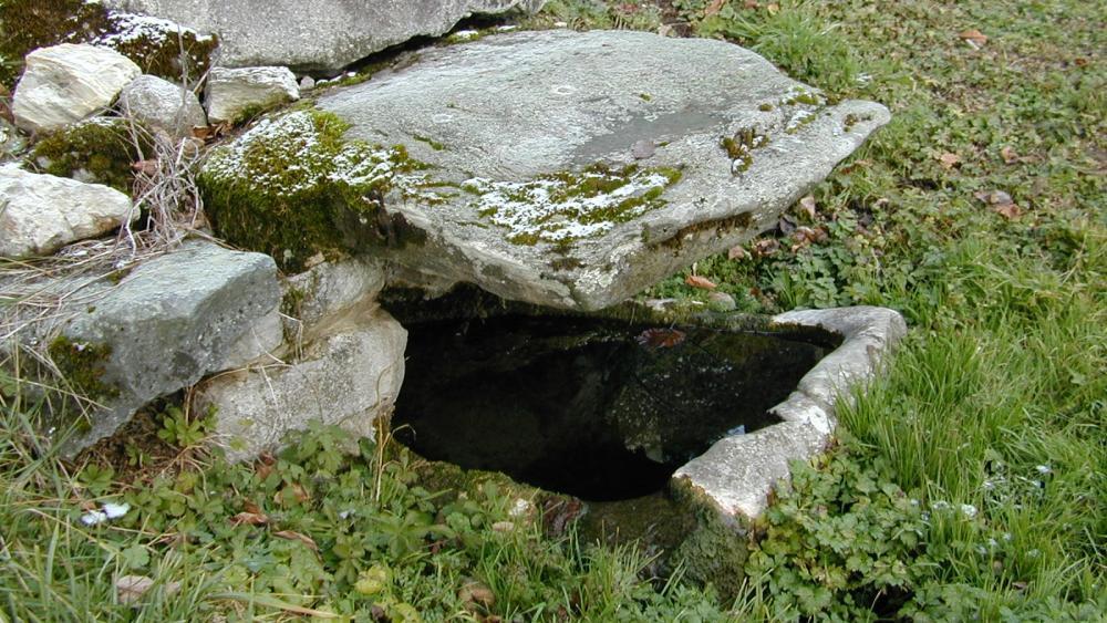 Fontaine de monthoux 4